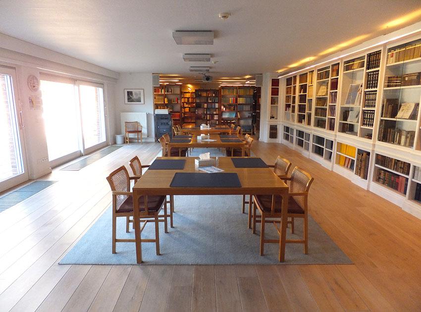 Bibliothek geöffnet